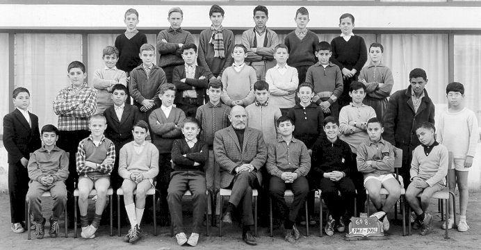 6_8 1963-64, prof de dessin JG Mantel.jpg