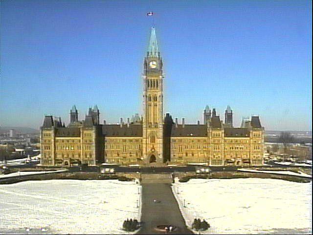 Le Parlement du Canada en hiver.jpg