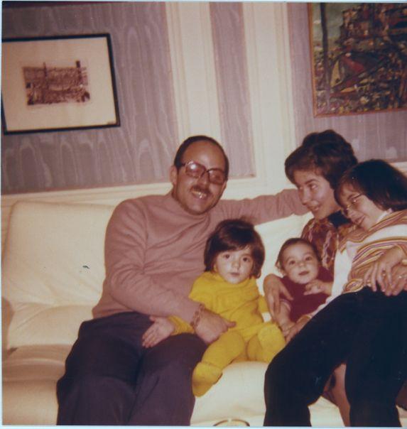 Famille Raphael Cohen a Paris,1974.jpg