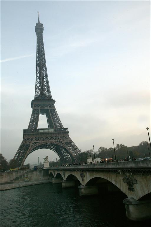 pont-d-iena-eiffel-tower.jpg