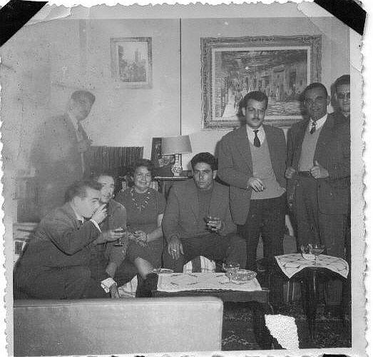 Raphael Cohen, Dairac a Rabat environ 1958 avec des colegues et artistes..jpg