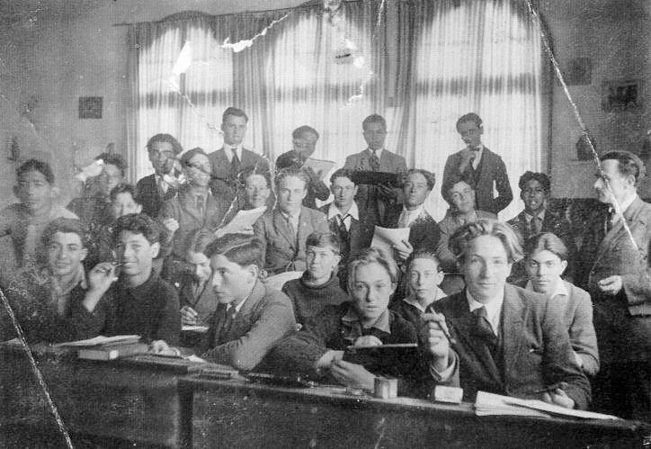 Classe de dessin au lycee Gouraud en 1928.jpg