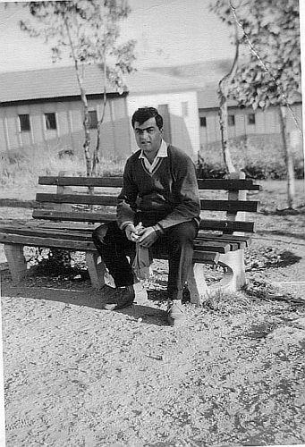 Famille Cohen , Judex a son arrivee en Israel , en 1962-63.jpg