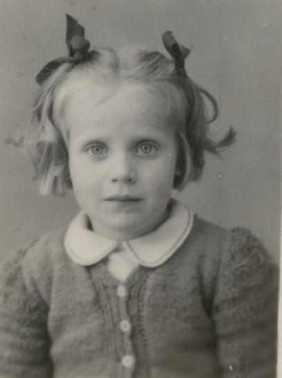 1945 Michou.jpg