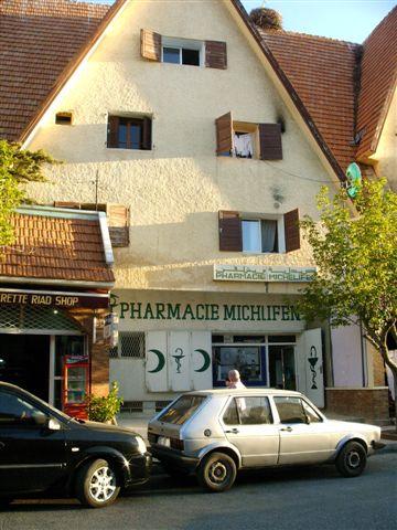 PHARMACIE_IFRANE_2008.jpg