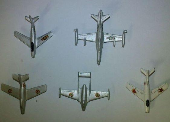 avions-miniatures-metal-annees-50_14859595-73583316.jpg