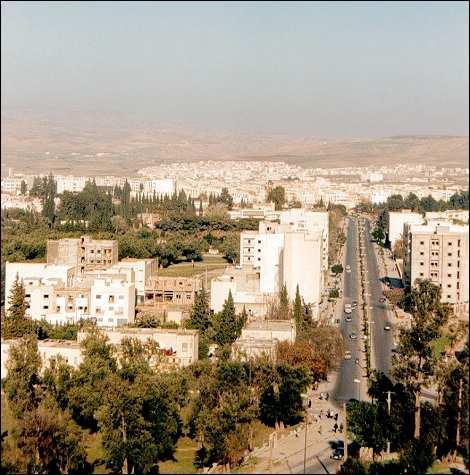 Taza, vue panoramique , rue principale et alentours.jpg