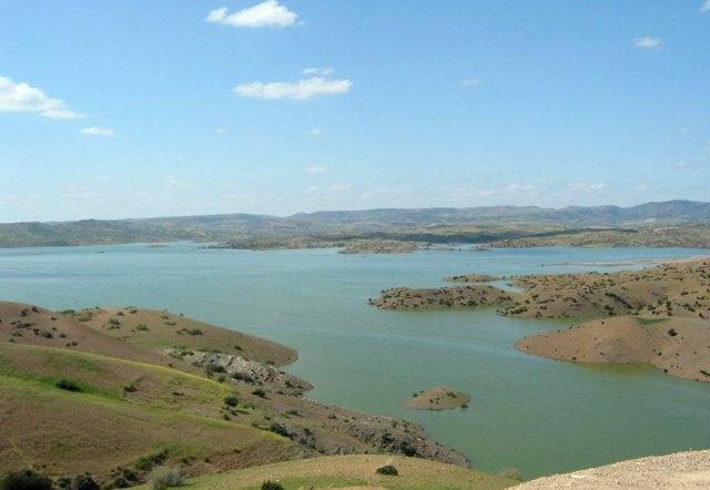 bin_el_ouidane_lake.jpg