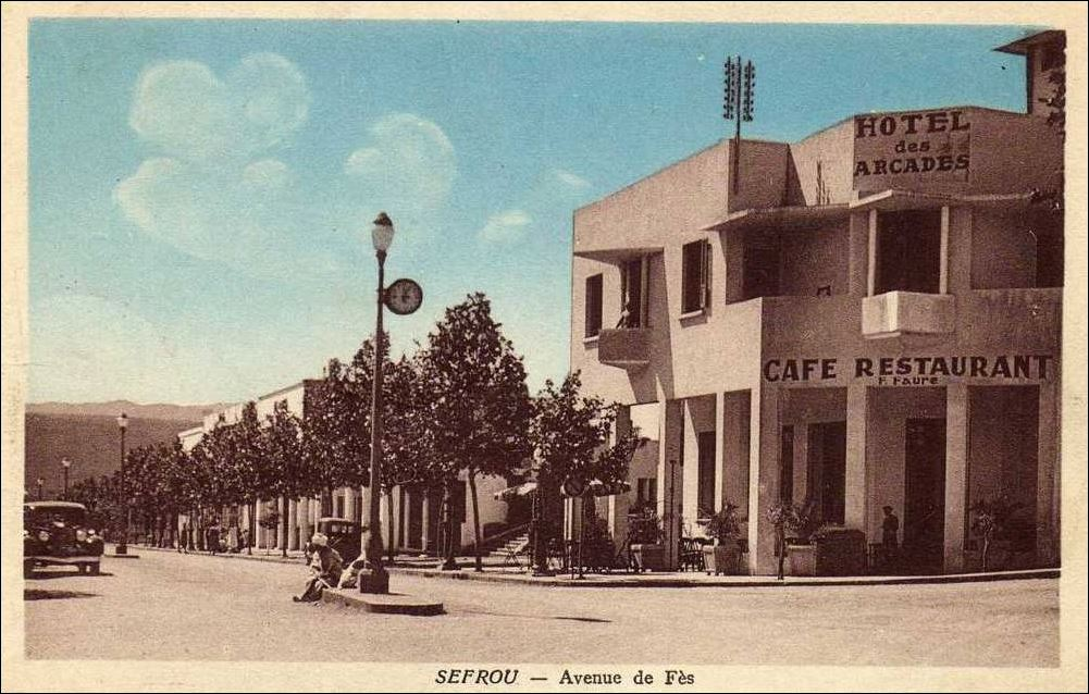 SEFROU VILLE NOUVELLE AVENUE DE FEZ 1921.JPG