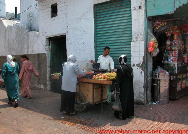 marchand de fruit ambulant.jpg