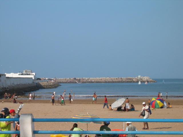 la plage et el moun.jpg