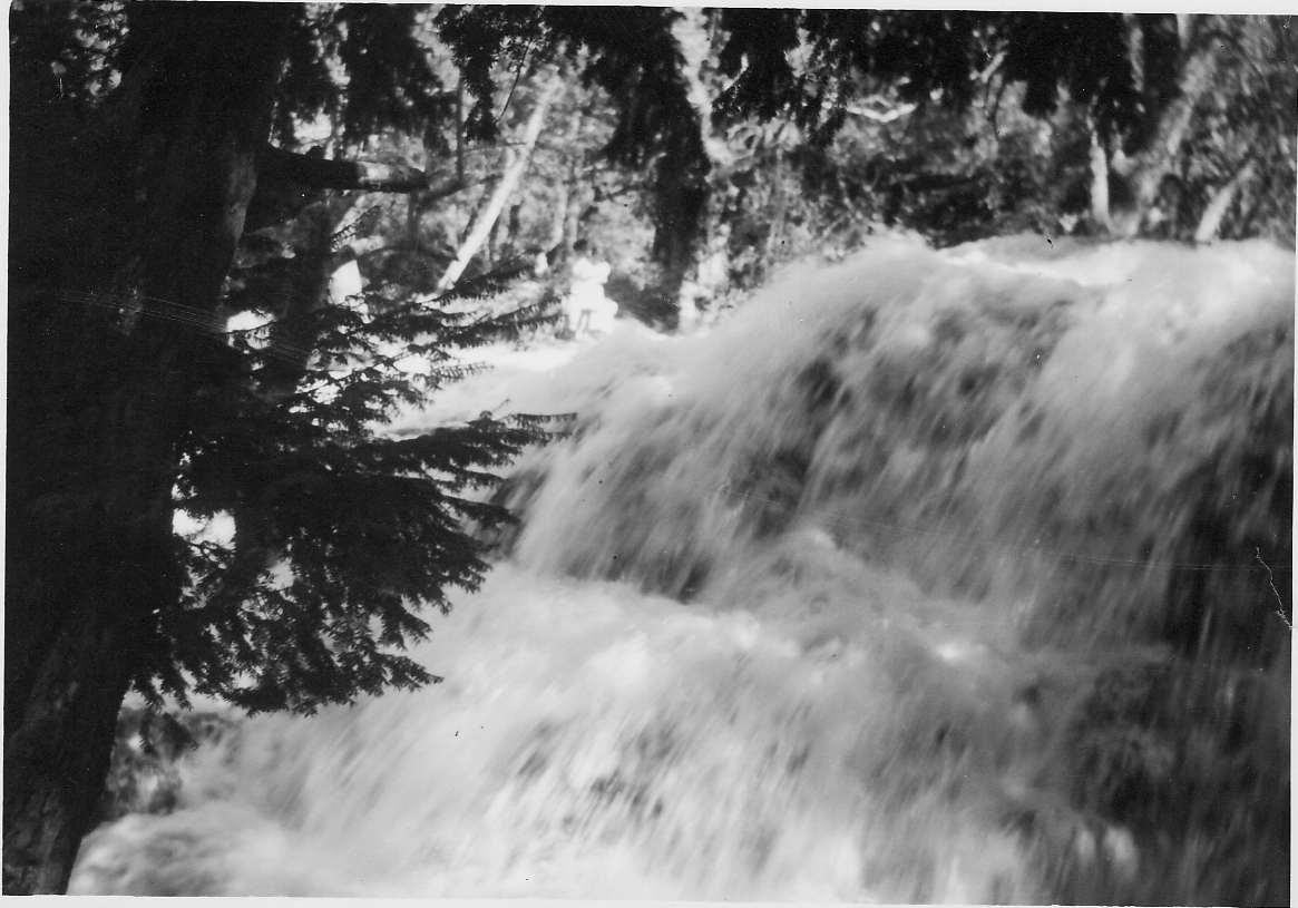 Ifrane la cascade.jpg