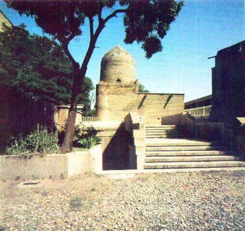 2.tombe de la reine Esther en Perse.jpg