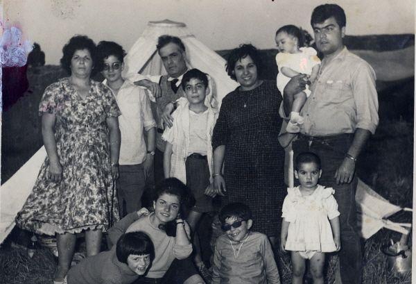 Papa, Maman et famille a Hiloula.1.jpg