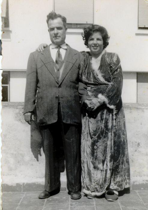A.Mes Parents Aaron et Rachel Cohen ZAL a Rabat a la terrasse 07 Mars 1955.jpg