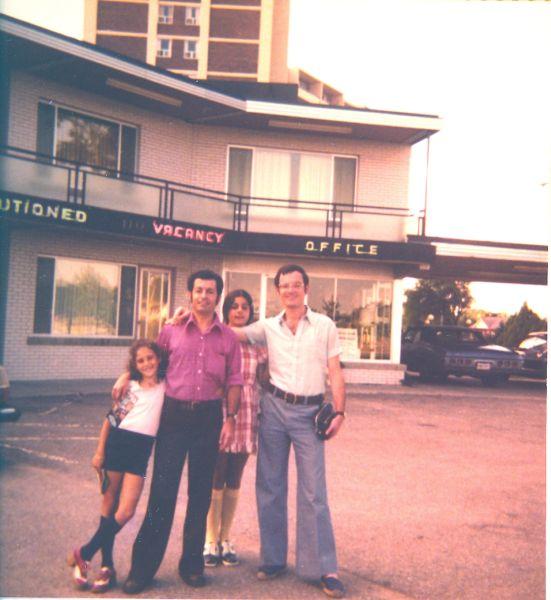 Sima, Jacques, Cathy et Elie Cohen en Aout 1974, vacances d\'Ete.jpg