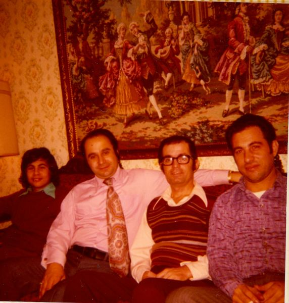 David Monsonego, Marc Ruimy, Jacques Cohen et Raphael Monsonego ,Nov.1974 chez Jacques.jpg