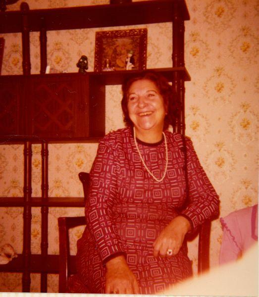 Simy Monsonego chez sa fille Perla, Nov.1974.jpg