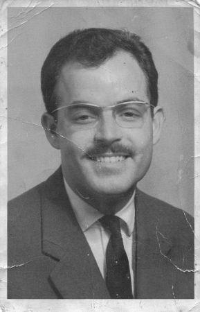 Raphael Cohen autour de 1960 a Rabat.jpg