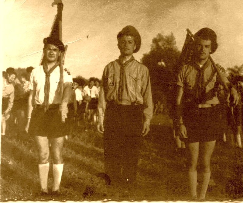 Gaby Dery, Jacques Cohen Cygne et Raphael Cohen au camp des Arenes de Casablanca  circa 1957 1.jpg