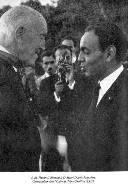 Chirurgien Dubois-Roquebert et SM Hassan II en 1967.jpg